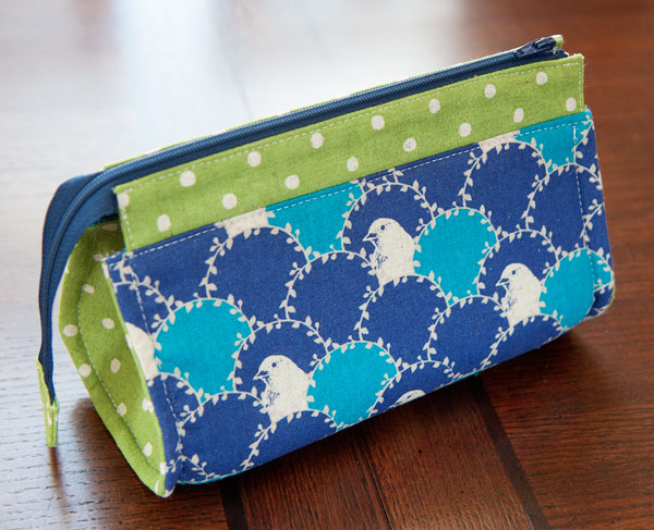 52 zippers #30: Rounded Reno makeup bag