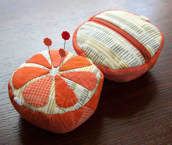 52 zippers #42: Orange sewing kit