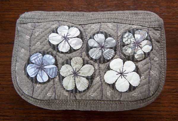 52 zippers #51: Appliqued and embroidered taupe zipper pouch