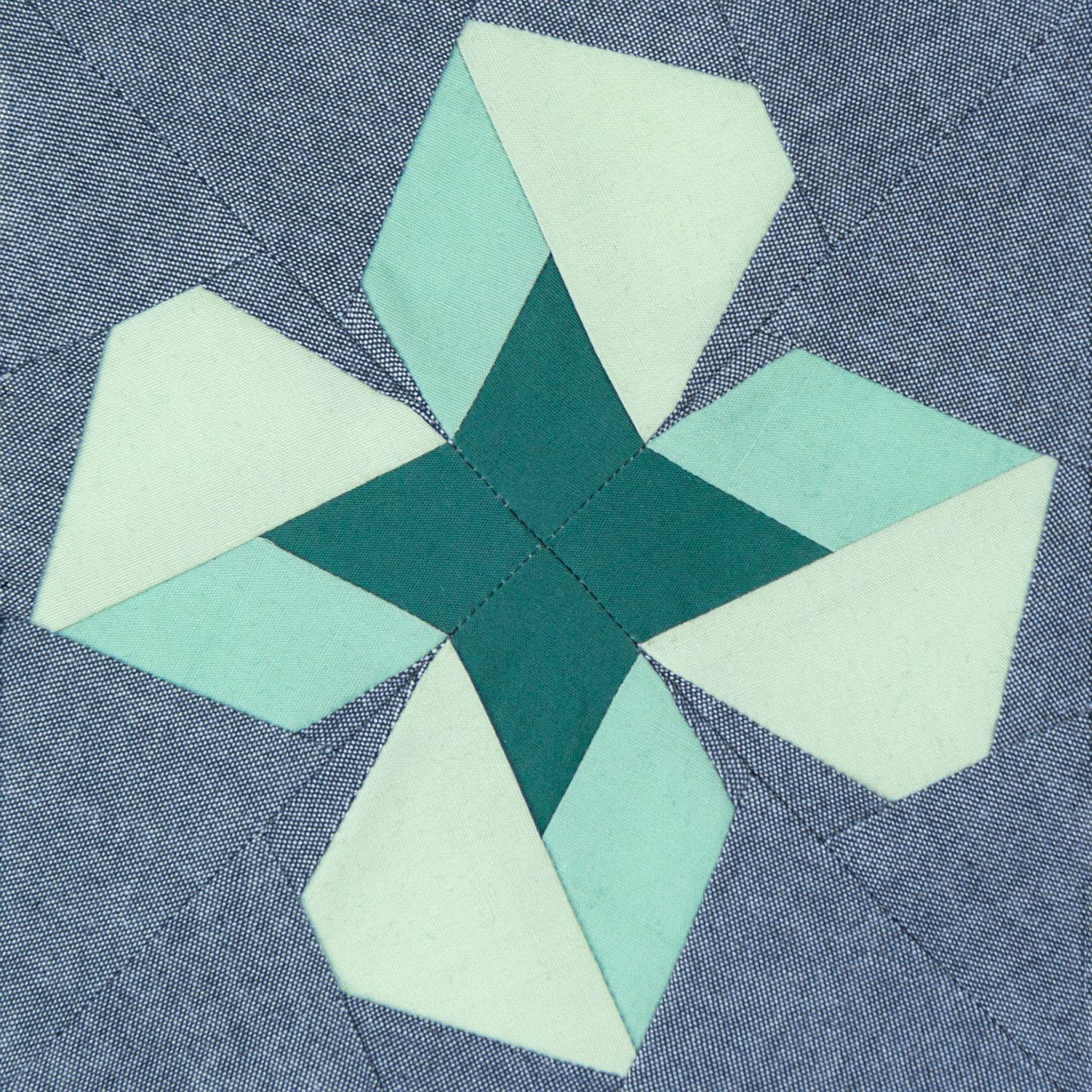 Lodestars quilt block #15: Pearl
